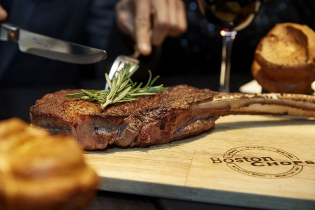 Trends | Boston Chops restaurant guarantees great Instagrams with